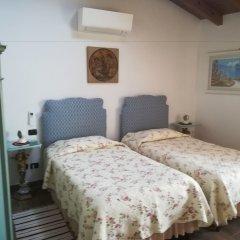 Hotel Borgo dei Poeti Wellness Resort Манерба-дель-Гарда удобства в номере