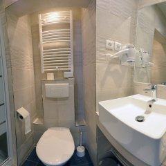Отель Ribera Eiffel Франция, Париж - отзывы, цены и фото номеров - забронировать отель Ribera Eiffel онлайн ванная