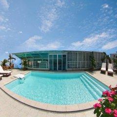 Sunny Hotel бассейн