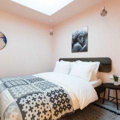 Отель Kith & Kin Boutique Apartments Нидерланды, Амстердам - отзывы, цены и фото номеров - забронировать отель Kith & Kin Boutique Apartments онлайн комната для гостей фото 4