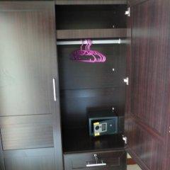 Отель Datomas Guest House сейф в номере