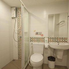 Отель Sakul House Таиланд, Бангкок - отзывы, цены и фото номеров - забронировать отель Sakul House онлайн ванная фото 2