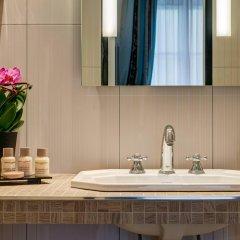 Отель Hôtel Bradford Elysées - Astotel Франция, Париж - 3 отзыва об отеле, цены и фото номеров - забронировать отель Hôtel Bradford Elysées - Astotel онлайн ванная фото 2