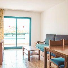 Апартаменты Pins Platja Apartments комната для гостей фото 5