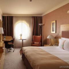 Отель Holiday Inn Attica Av. Airport West Спата комната для гостей фото 4