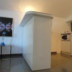 Отель Sun Rose Apartments Черногория, Свети-Стефан - отзывы, цены и фото номеров - забронировать отель Sun Rose Apartments онлайн сейф в номере