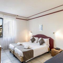 Отель Splendid Sole Манерба-дель-Гарда комната для гостей фото 3