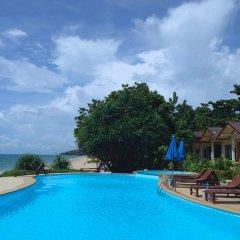 Курортный отель Amantra Resort & Spa бассейн