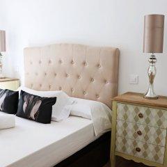 Отель Apto. de diseño Puerta del Sol 7 сейф в номере