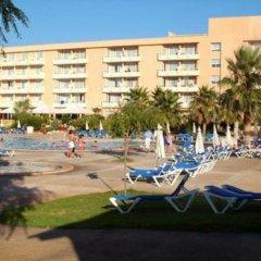 Hotel Garbi Cala Millor пляж