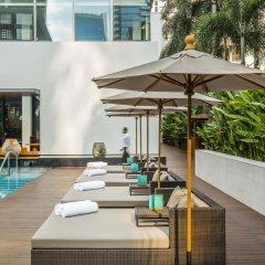 Отель COMO Metropolitan Bangkok бассейн