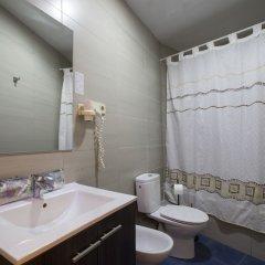 Отель Cuatro Naciones Испания, Барселона - отзывы, цены и фото номеров - забронировать отель Cuatro Naciones онлайн ванная фото 2