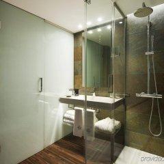Отель Gran Derby Suites Испания, Барселона - отзывы, цены и фото номеров - забронировать отель Gran Derby Suites онлайн ванная