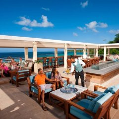 Отель Sandals Ochi Beach Resort All Inclusive Couples Only бассейн