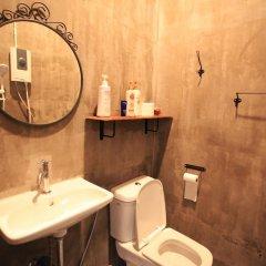 Отель Baan Talat Phlu Бангкок ванная фото 2