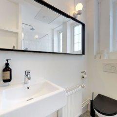 Отель Huge 5 bed-2 bath home in center Дания, Копенгаген - отзывы, цены и фото номеров - забронировать отель Huge 5 bed-2 bath home in center онлайн ванная фото 2