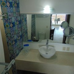 Отель ROSITA Пуэрто-Вальярта ванная фото 2