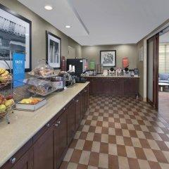 Отель Hampton Inn NY-JFK Jamaica-Queens США, Нью-Йорк - 1 отзыв об отеле, цены и фото номеров - забронировать отель Hampton Inn NY-JFK Jamaica-Queens онлайн питание
