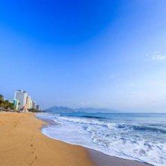 Отель Nang Bien Hotel Вьетнам, Нячанг - отзывы, цены и фото номеров - забронировать отель Nang Bien Hotel онлайн пляж