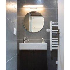 Отель Petit Cocon au Cœur des Invalides D02 Франция, Париж - отзывы, цены и фото номеров - забронировать отель Petit Cocon au Cœur des Invalides D02 онлайн ванная
