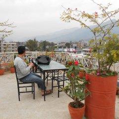 Отель Fewa Holiday Inn Непал, Покхара - отзывы, цены и фото номеров - забронировать отель Fewa Holiday Inn онлайн с домашними животными