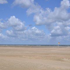 Отель Fletcher Landgoedhotel Renesse Нидерланды, Ренессе - отзывы, цены и фото номеров - забронировать отель Fletcher Landgoedhotel Renesse онлайн пляж