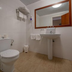 Отель Hostal Gallet Испания, Курорт Росес - отзывы, цены и фото номеров - забронировать отель Hostal Gallet онлайн ванная фото 2