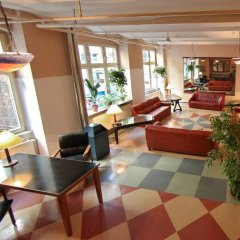 Die Fabrik - baxpax Hotel интерьер отеля
