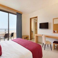 Отель Ramada Resort by Wyndham Dead Sea Иордания, Ма-Ин - 1 отзыв об отеле, цены и фото номеров - забронировать отель Ramada Resort by Wyndham Dead Sea онлайн комната для гостей