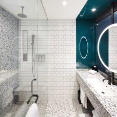 Отель RYSE, Autograph Collection ванная фото 3