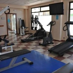 Отель Astuy Apartamentos Арнуэро фитнесс-зал фото 4