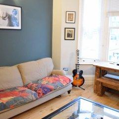 Отель 1 Bedroom Apartment With Patio in London Великобритания, Лондон - отзывы, цены и фото номеров - забронировать отель 1 Bedroom Apartment With Patio in London онлайн комната для гостей фото 4