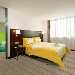 Отель Holiday Inn Vista Shanghai сейф в номере