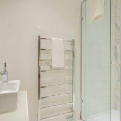 Апартаменты The Luxe Whitehall Duplex Apartment ванная