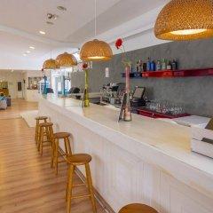 Отель Checkin Bungalows Atlantida гостиничный бар
