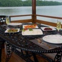 Отель Okvin River Villa питание