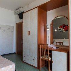 Hotel Sandra Гаттео-а-Маре удобства в номере