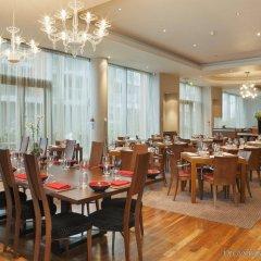 Отель Crowne Plaza London - Docklands Великобритания, Лондон - отзывы, цены и фото номеров - забронировать отель Crowne Plaza London - Docklands онлайн питание фото 2