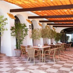 Отель La Molinera Bungalows бассейн
