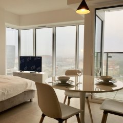Апартаменты Poznan Apartments Towarowa комната для гостей фото 2