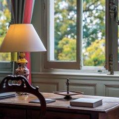 Отель Chateau De Verrieres Сомюр в номере