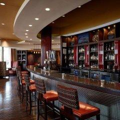 Отель Crystal City Marriott at Reagan National Airport гостиничный бар