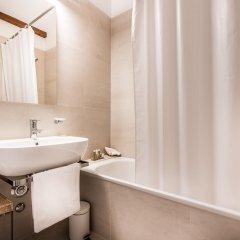 Отель Zürich Niederdorf - Grossmünster Швейцария, Цюрих - отзывы, цены и фото номеров - забронировать отель Zürich Niederdorf - Grossmünster онлайн ванная