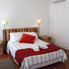 Grapes & Bites - Hostel And Wines Лиссабон комната для гостей фото 2