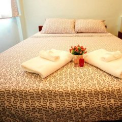 Отель Zen Rooms Siripong Road Бангкок комната для гостей фото 4