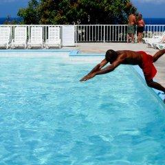 Отель El Greco Resort Ямайка, Монтего-Бей - отзывы, цены и фото номеров - забронировать отель El Greco Resort онлайн бассейн