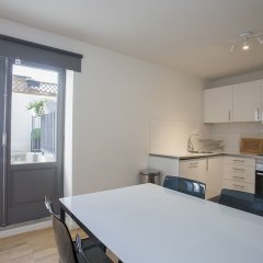 Апартаменты Liiiving in Porto Downtown Terrace Apartment в номере