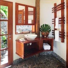 Отель Matangi Private Island Resort ванная фото 2
