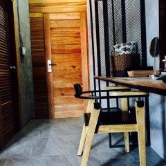 Yotaka The Hostel@Bangkok бассейн