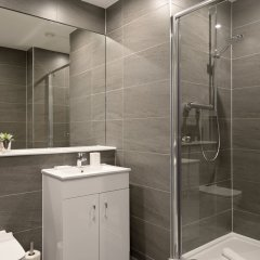 Апартаменты Destiny Scotland Apartments at Nelson Mandela Place ванная